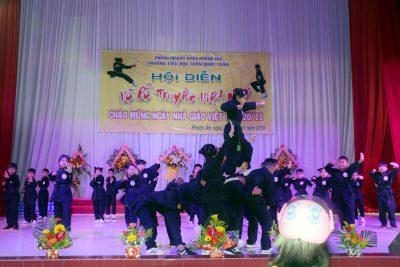 Hình ảnh Hội diễn Võ cổ truyền Việt Nam của trường TH Trần Quốc Tuấn